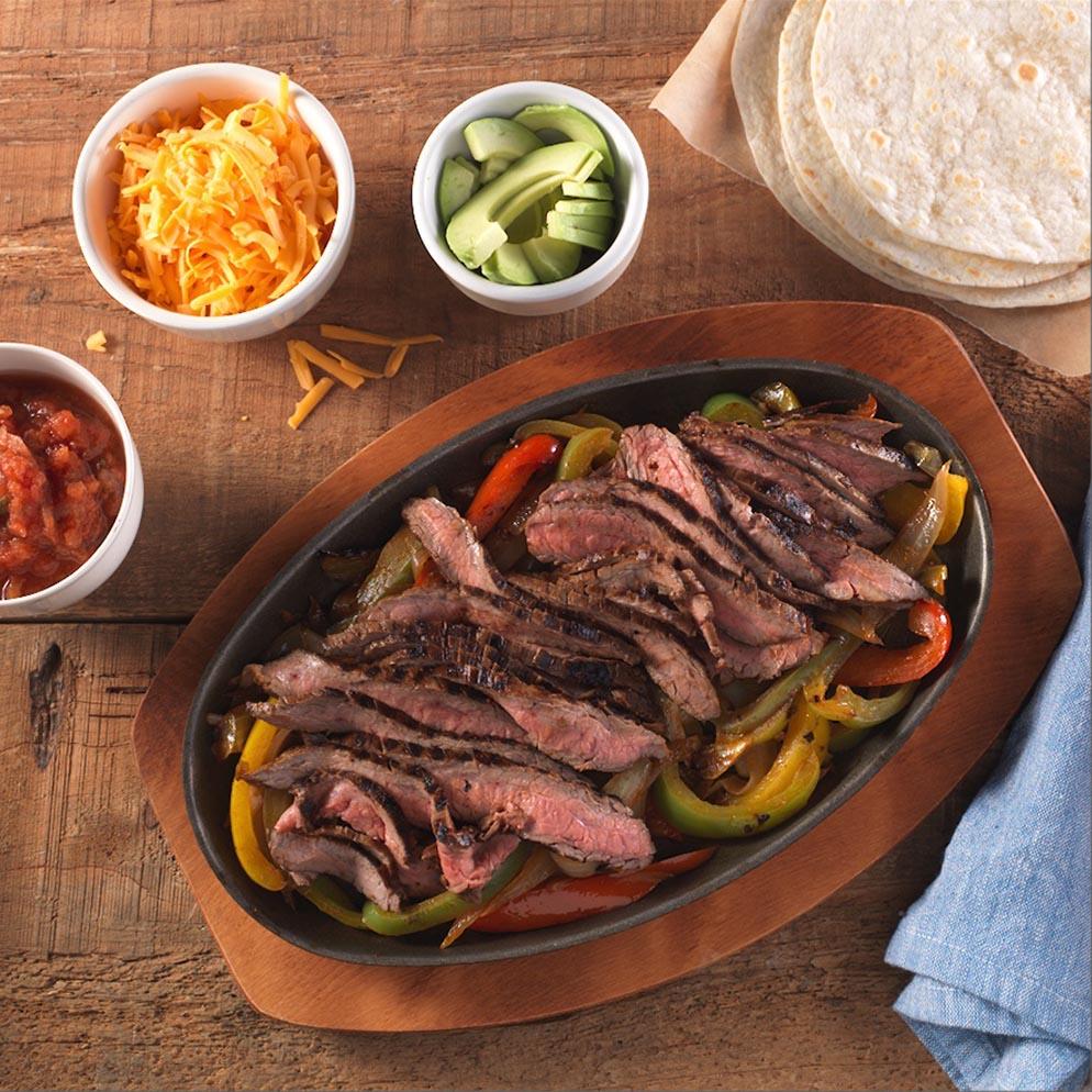 Recette avec du ReaLemon : Fajitas au bifteck style sud-ouest dans un plat de service